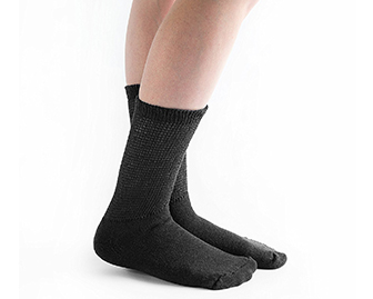 loose-fitting-diabetic-socks