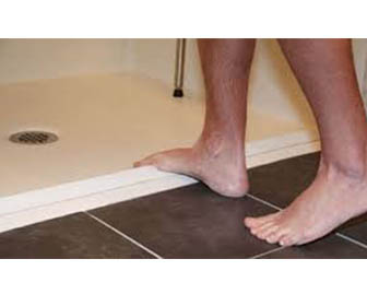 collapsible-water-dam-threshold-for-roll-in-showers