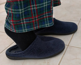 slippers-can-increase-fall-risk
